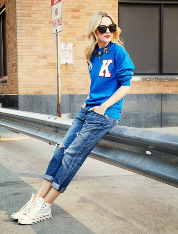 shorts streetstyle street snap sweater cardigan sunglasses blue jeans cut offs denim sneakers shoes pants blouse