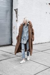 shirt,blue shirt,oversized coat,denim,denim shirt,jeans,blue jeans,ripped jeans,sneakers,white sneakers,coat,obersized,teddy bear coat,long coat,camel coat,straight jeans,oversized shirt
