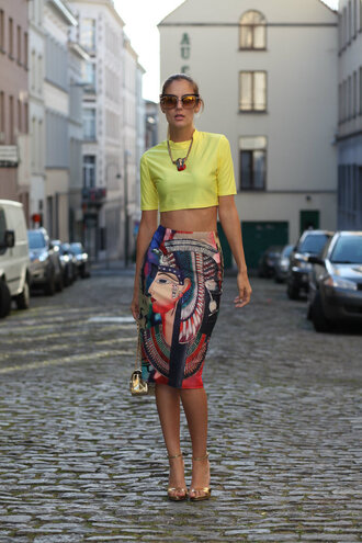from brussels with love blogger top skirt bag shoes sunglasses