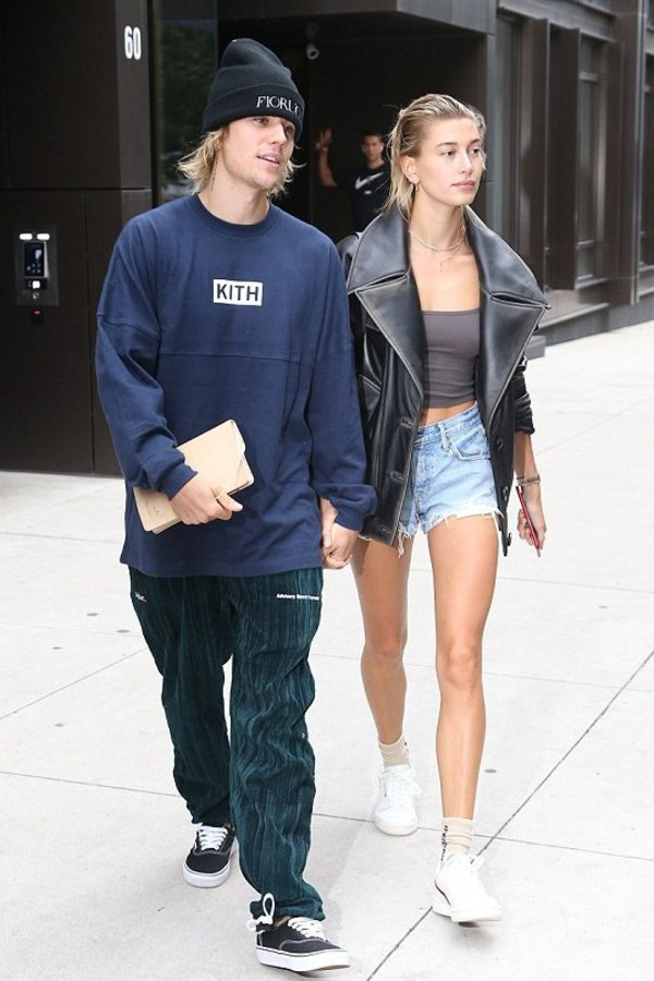 top crop tops denim shorts hailey baldwin justin bieber sneakers jacket