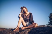 styling my life,blogger,shorts,top,shoes,jewels,bag,sunglasses,sandals,flat sandals,summer outfits