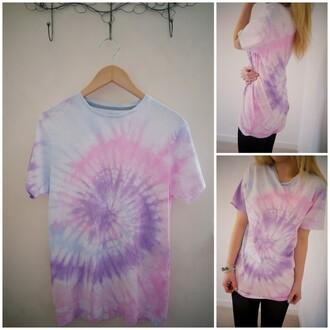 t-shirt white purple blue pink rainbow tie dye boho