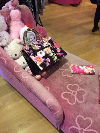 bag pink flowers
