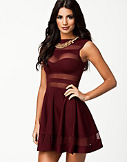 Mesh Insert Skater Dress - Club L - Berry - Party Dresses - Clothing - Women - Nelly.com