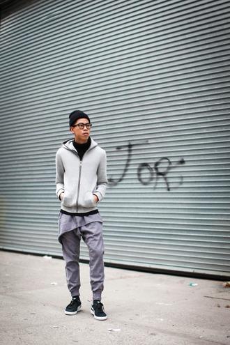closet freaks blogger hat grey sweatpants mens hoodie mens sneakers