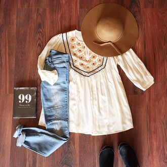 blouse boho chic embroidered tunic flowy top cream floral shirt jeans
