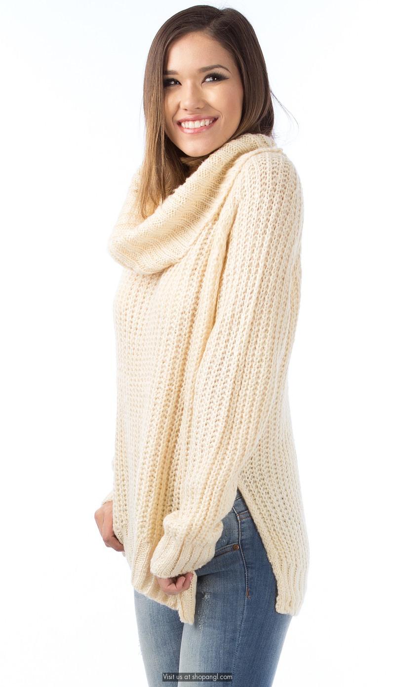 Big turtle neck soft knit sweater