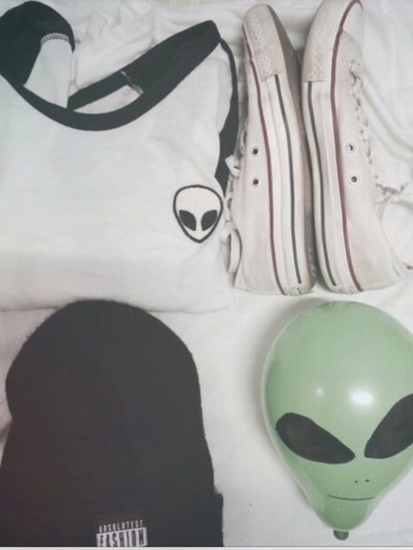 top alien t-shirt