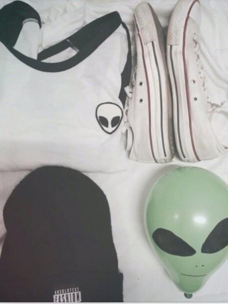 top alien t-shirt