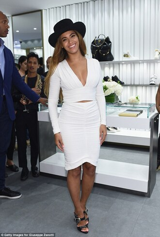 white dress bodycon bodycon dress hat black hat heels smile singer two-piece long sleeves long sleeve dress beyonce fashion body african american skirt top beautiful buckle heels buckle outfit cute girly woman