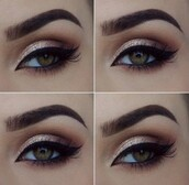 make-up,glitter,glitter eye shadow,eye makeup,eye shadow,eyeliner,winged eyeliner,eyelashes