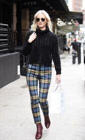 pants,plaid,turtleneck,streetstyle,celebrity,leighton meester