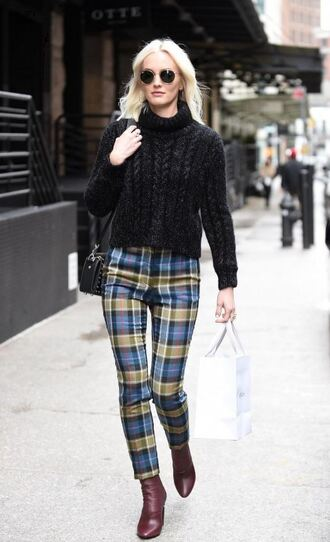 pants plaid turtleneck streetstyle celebrity leighton meester
