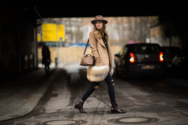 the blonde salad blogger camel coat winter coat fur chelsea boots ripped jeans