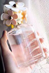 make-up,marc jacobs,perfume,daisy,flowers,cosmetics,bathroom