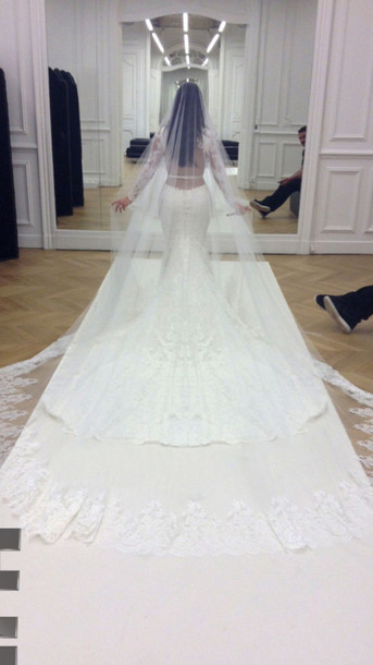 Kim Kardashian Givenchy Wedding Dress Look Alikes The Art Of Mike Mignola