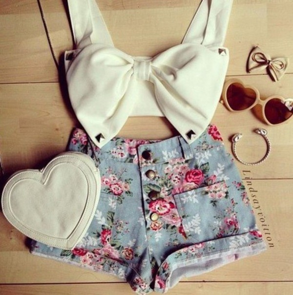 shorts tank top sunglasses