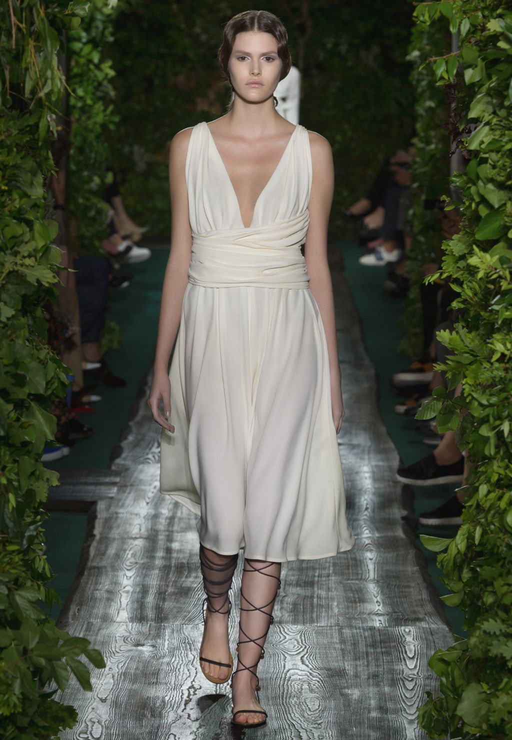 Valentino official website valentino women haute couture for Haute official