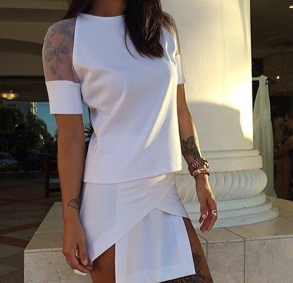 t-shirt transparent skirt