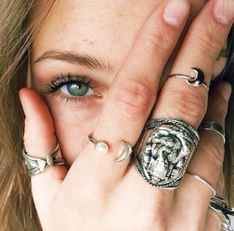 jewels on point clothing ring rings and tings rings cute summer rings & tings rings silver rings and jewelry pearl crescent moon ring crescent moon silver tumblr summer