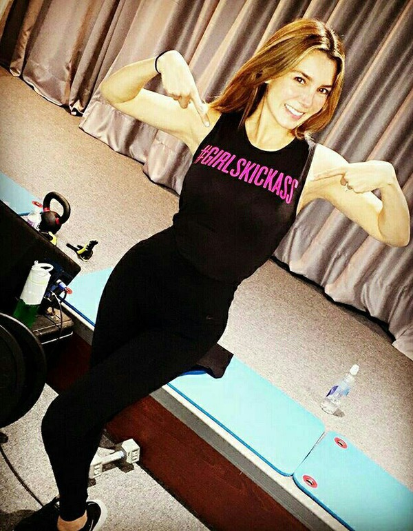 t-shirt black elizabeth gutierrez black top quote on it black pants black leggings sportswear workout