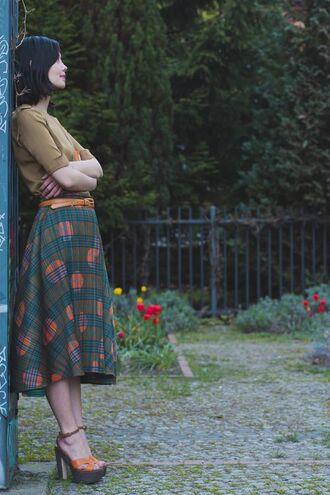 top vintage retro classic skirt midi skirt shoes belt