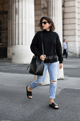 viennawedekind blogger sweater jeans bag slide shoes black sweater basket bag summer outfits fall outfits