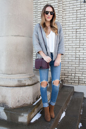 twenties girl style,blogger,tank top,cardigan,shoes,bag,sunglasses,grey cardigan,purple bag,ankle boots