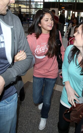 sweater selena gomez coca cola coke cola pink clothes selena gomez jeans