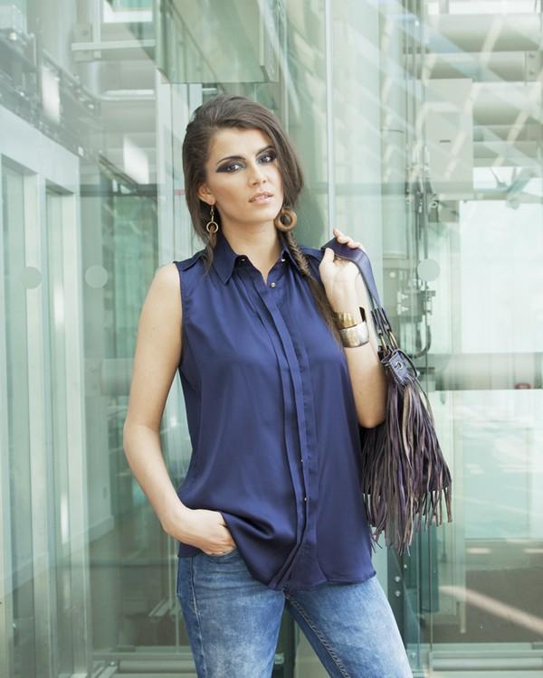 top shirt navy navy jeans celebrity style clothes blogger trendy trendy brands designer designer earrings fringed bag fringed bag leather