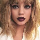 make-up,kylie jenner,hairstyles,lipstick,eye shadow,wig,lip liner,dark lipstick