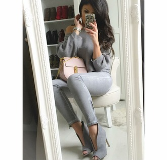 sweater grey all grey everything off the shoulder booties skinny jeans outfit all grey outfit shoes jeans grey jeans top grey top grey booties bag chloe chloe bag