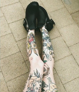 shoes boots zippered boots booties ankle boots black boots black style hight heels tattoo multicolor legs girl tumblr tumblr girl grunge