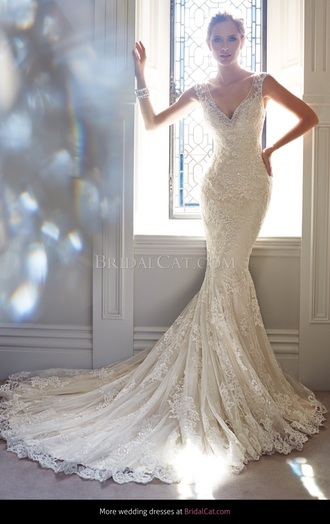 lace wedding dresses beaded