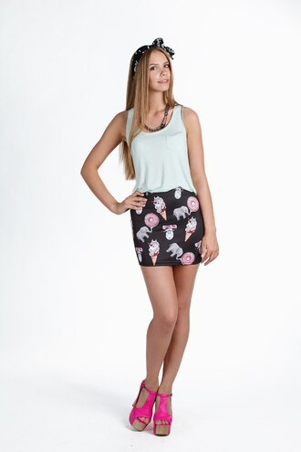skirt printed skirt black skirt mini skirt short skirt high waisted skirt white top heel pink heels sexy sexy skirt hipster
