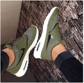 shoes,green,nike,olive green,forest green,khaki,nike shoes,nike running shoes,nike roshe run,nike sneakers