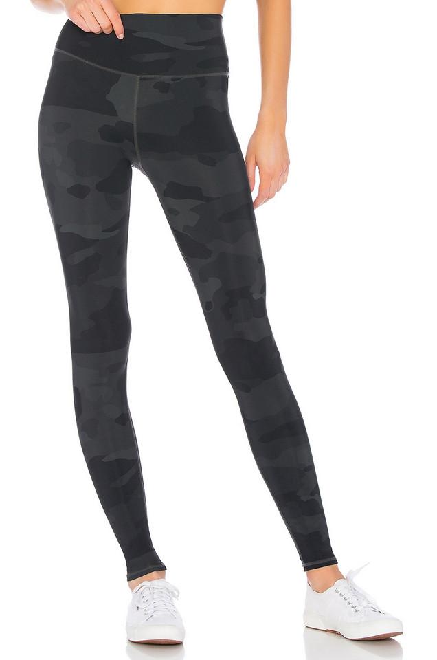 alo High Waist Vapor Legging in black
