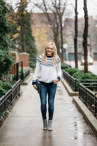 bows&sequins blogger sweater jewels jeans shoes bag make-up winter outfits fall outfits white sweater ankle boots skinny jeans