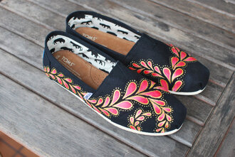 shoes toms painted canvas shoes paisley red