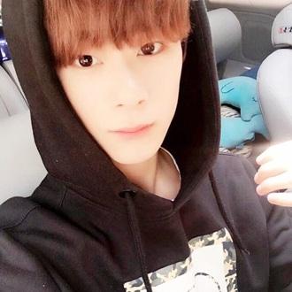 sweater astro eunwoo cute kpop idol kidol korean fashion asia asian kfashion kpop idol selca camouflage army print green black jumper