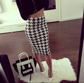 black and white dress,houndstooth,chain