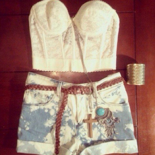 top white sleeveless top corset top acid washed shorts country style shorts