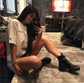 shoes boots top kylie jenner instagram t-shirt
