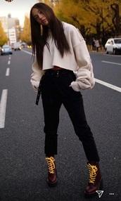 top,alexis ren,belt,jeans,streetstyle,black pants