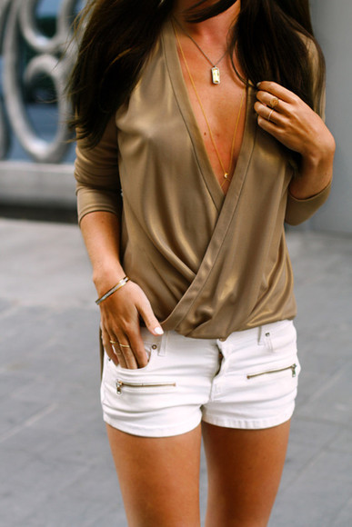 deep v neck top shirt blouse sexy gold shorts white gold body chain summer outfits zipper