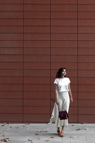 fake leather blogger top bag t-shirt skirt sunglasses jewels