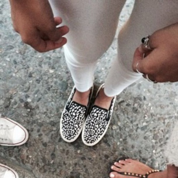 shoes white black and white jeans white jeans ring jewels style fashion