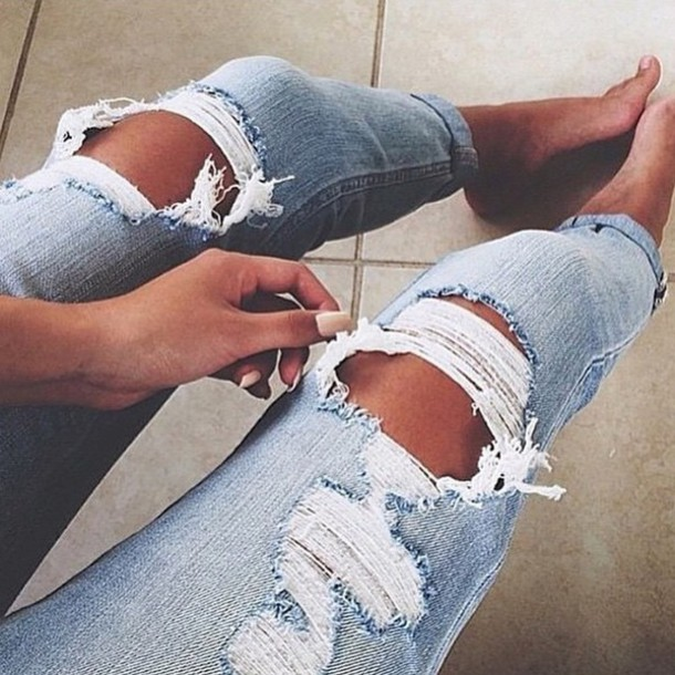 jeans ripped jeans blue skinny jeans skinny jeans pants ripped light washed denim boyfriend jeans light blue jeans rippes light blue boyfriend jeans denim style fashion beautiful skinny pants jewels light blue ripped denim jeans ripped jeans ripped clothes blue blue jeans blue ripped jeans holes
