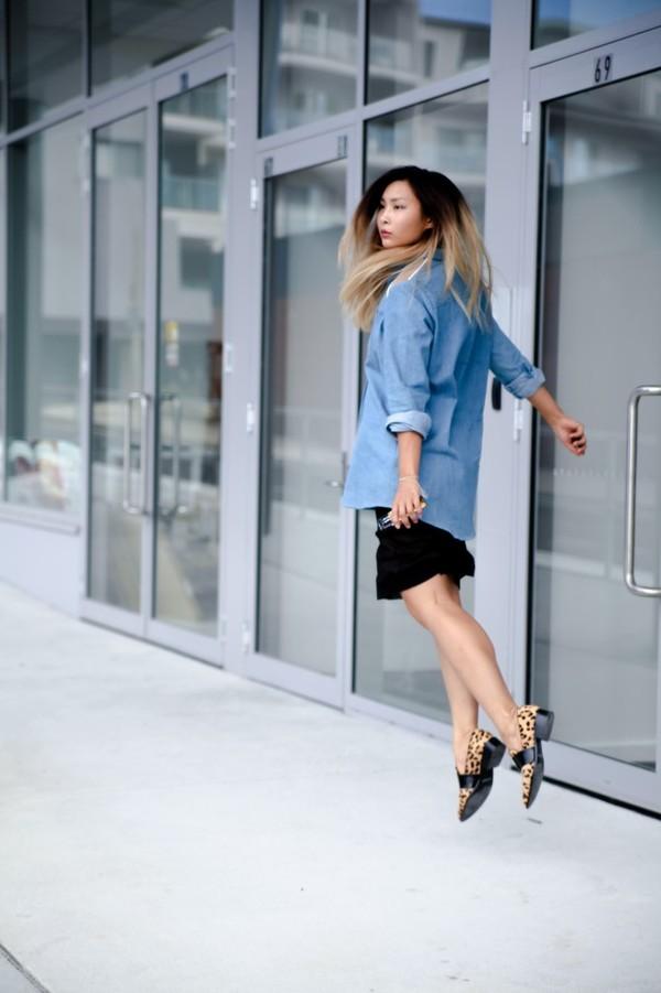 closet voyage shirt skirt shoes