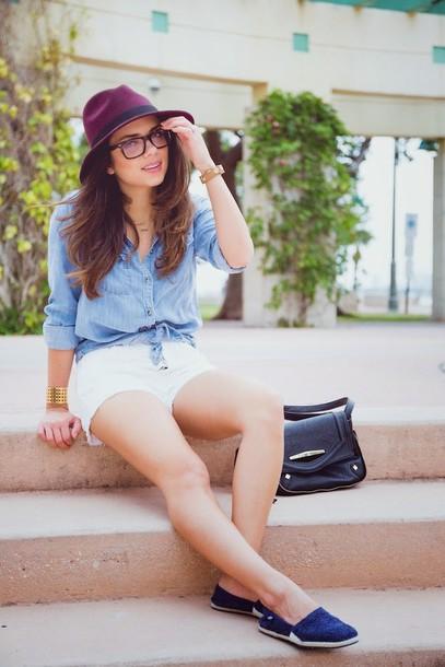 nany's klozet shoes shirt shorts sunglasses jewels hat bag t-shirt